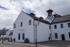 Винокурня Dalwhinnie, Шотландия стоковая фотография rf