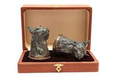 вино античных стекел коробки серебряное деревянное Стоковая Фотография