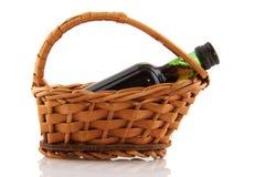вино бутылки корзины Стоковые Фото
