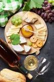 Вино, виноградина, сыр и мед Стоковая Фотография RF