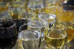 вино голубых стекел dof отмелое Стоковое Изображение