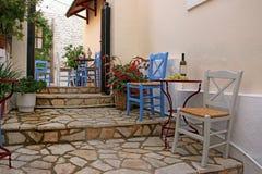 Вино и виноградины на таблице Parga стоковые изображения