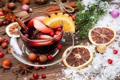 Вино и ингридиенты обдумыванные рождеством Стоковое Изображение