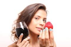 Вино и клубника Стоковое фото RF