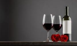 Вино и розы Стоковые Фото