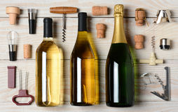 Вино и Шампань с аксессуарами Стоковая Фотография