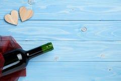 Вино на голубой предпосылке Стоковые Изображения RF