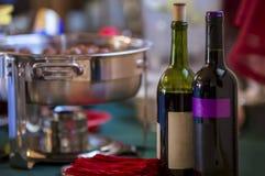 Вино на таблице сервировки Стоковые Фото