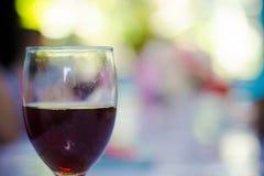 вино обеда пляжа стеклянное стоковые фотографии rf