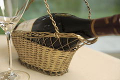вино отверстия бутылки корзины Стоковые Изображения