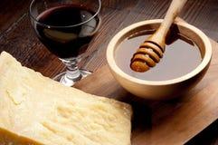 вино пармезана меда сыра стоковые фото