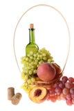 вино плодоовощ бутылки корзины Стоковое Изображение