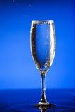 вино стекла переполняя Стоковое Изображение RF