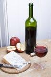 вино сыра яблок Стоковые Фотографии RF