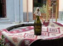 вино шкафа бутылки старое стоковое фото