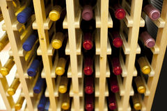 вино шкафа бутылок Стоковые Изображения RF