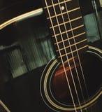 Винтажная акустическая гитара Стоковое Изображение