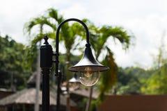 Винтажная лампа стойки для экстерьера Стоковая Фотография