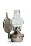 Винтажная лампа фонарика масла керосина на предпосылке изолята Стоковые Изображения RF