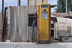 Винтажная бензиновая колонка Стоковое Изображение RF