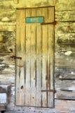 Винтажная дверь амбара Стоковые Фотографии RF