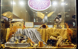 винтажная витрина выставки кофейного зерна, окно магазина кофейного зерна Стоковое Фото