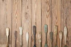 Винтажная вилка на деревянных досках стоковые изображения