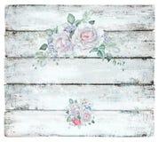 Винтажная деревянная предпосылка с белыми розами Стоковое фото RF