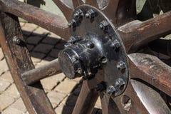 Винтажная деревянная предпосылка колеса, соломы и улицы экипажа Стоковое Изображение