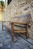 Винтажная деревянная скамья стоковые фотографии rf