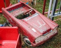 Винтажная игрушка торгует вразнос автомобиль стоковые фотографии rf