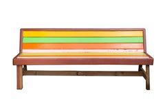 Винтажная длинная деревянная скамья на белизне Стоковая Фотография RF