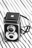 Винтажная камера на линии прокладки стоковое изображение rf