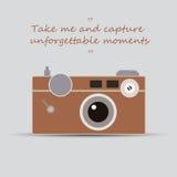 Винтажная камера - примите меня и захватите незабываемые моменты Стоковые Изображения RF