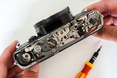 Винтажная камера фильма для ремонта стоковое фото rf