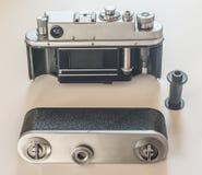 Винтажная камера фильма открытая назад осматривает Стоковые Изображения RF