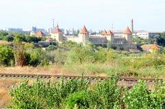 Винтажная крепость на реке Днестре в гибочном устройстве городка, Приднестровье, Молдавии Стоковая Фотография RF