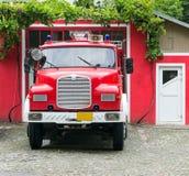 Винтажная пожарная машина стоковые изображения rf