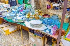 Винтажная посуда в блошинном Тбилиси Стоковое Изображение RF