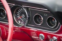 Винтажная приборная панель автомобиля Стоковое Изображение