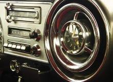Винтажная приборная панель автомобиля Стоковое Фото