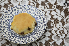 Винтажная плита с Scone Стоковые Изображения