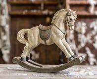 Винтажная старая тряся лошадь Стоковые Фотографии RF