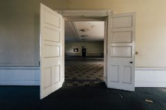 Винтажная столовая - покинутые Sweet Springs - Западная Вирджиния стоковые изображения