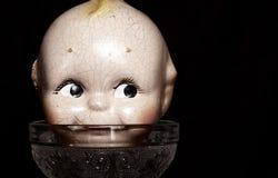 Винтажная сторона куклы на стеклянной чашке Стоковое Изображение