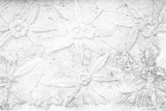 Винтажная тайская скульптура на каменной стене Стоковые Изображения