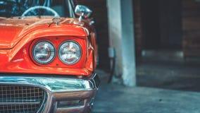 Винтажная фара автомобиля вид спереди стоковое фото