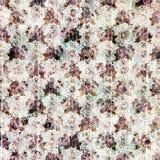 Винтажная фиолетовая grungy предпосылка цветка и деревянных зерна конструирует Стоковое Изображение