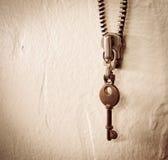 Винтажная цепь молнии ключа и металла ключевая стоковое изображение