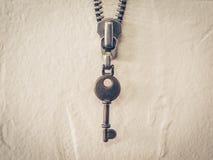 Винтажная цепь молнии ключа и металла ключевая Стоковая Фотография RF